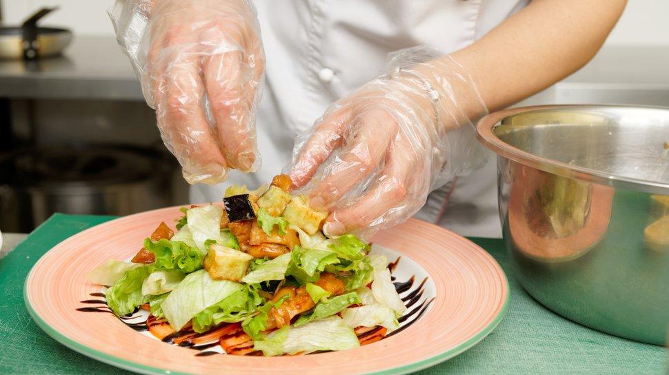 Три шага к повышению безопасности ресторанной пищи