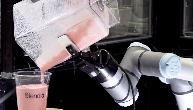 Blendid устанавливает свой второй роботизированный киоск смузи