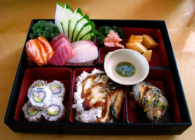"""Как приготовить суши """"бэнто"""""""