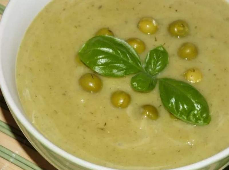 Суп пюре с зеленым консервированным горошком