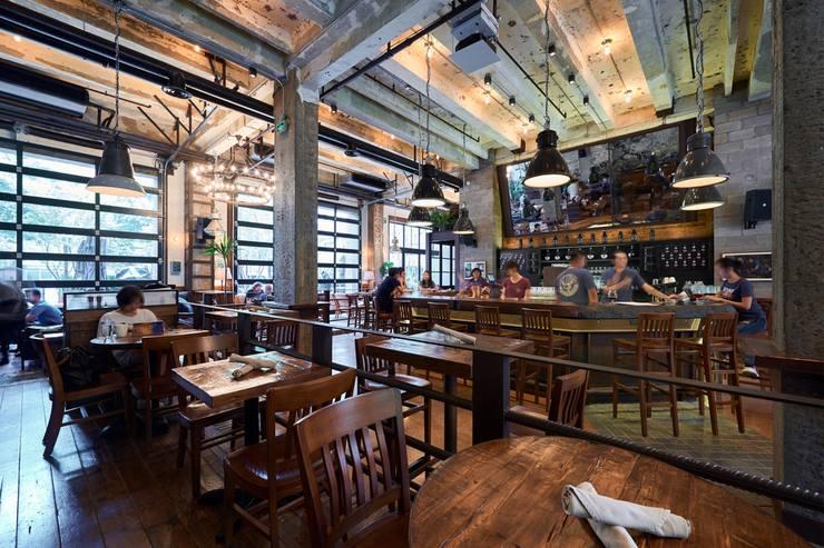 Сколько кафе и ресторанов закрылось в москве ?