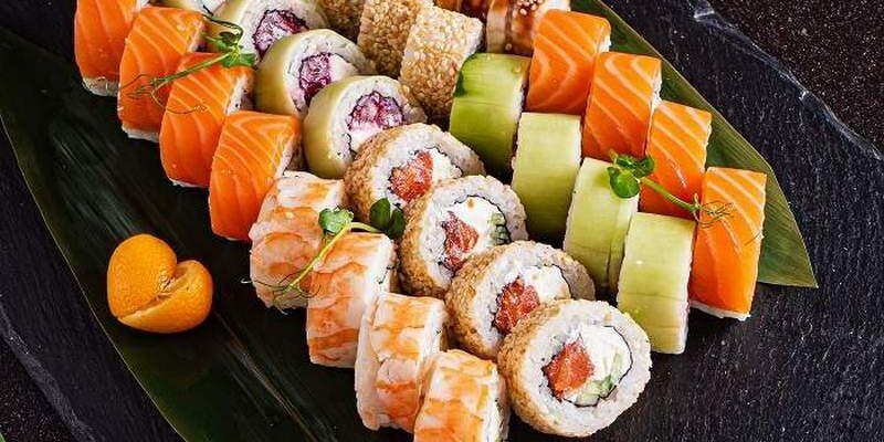 Где в г Чебоксары быстрая доставка суши и роллов - обзор заведений